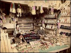 shoe shop - Geta - Meiji era / #MIZUworld