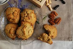 Cookies canadian pecan and maple syrup Cocoa Cookies, Pecan Cookies, Galletas Cookies, Biscuits Au Cacao, Cookies Et Biscuits, Vanilla Recipes, Sweet Recipes, Red Fruit, Quick Easy Meals