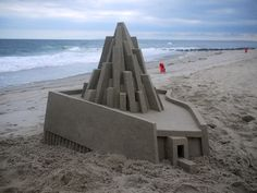 New Contemporary Sand Castles by Calvin Seibert Artist Calvin Seibert, also known as Box Builder, constructs architectural sand structures, which are famous for their modern and sleek design. Keep reading But Is It Art, Colossal Art, Sand Art, Architecture Plan, Concrete Architecture, Architecture Models, Brutalist, Oeuvre D'art, Mind Blown