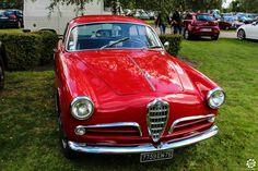 #Alfa_Romeo #Giulietta #Sprint au salon Auto Moto Retro de Rouen. Reportage complet : http://newsdanciennes.com/2015/09/28/grand-format-auto-moto-retro-de-rouen/ #Cars #Vintage #Classic_Cars