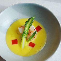 Poached shrimp sweetcorn and lemongrass veloute mint and asparagus by @oli_harding  Tag your best plating pictures with #armyofchefs to get featured!  ------------------------ #foodart #truecooks #foodphoto #chefsroll #chefsofinstagram #foodphotography #hipsterfoodofficial #foodphotographer #gastroart #wildchefs #delicious #instafood #instagourmet #gourmet #theartofplating #gastronomy #foodporn #foodism #foodgasm #plating #sweetcorn #lemongrass #asparagus #veloute