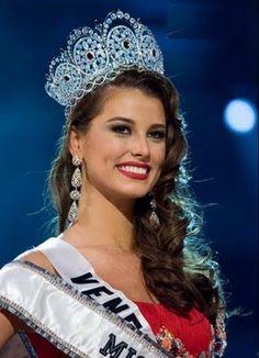 Miss Universe 2009 Miss Venezuela Stefania Fernandez Miss Mundo, Dayana Mendoza, Stefania Fernandez, Miss Venezuela, Pageant Girls, Miss Usa, Miss World, Beauty Pageant