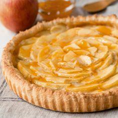 Descubre como preparar paso a paso la receta de Tarta de manzana vegana. Te contamos los trucos para que triunfes en la cocina con Postres para chuparse los dedos Deserts, Pie, Cooking, Healthy, Recipes, Sweet Stuff, Food, Drink, Baby