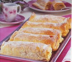 """delicias caseiras: travesseiros de sintra (""""Travesseiros"""" means """"pillows"""" in portuguese, and refer to a almond and egg cream filled puff pastry rectangle. Traditionally from Sintra, a beautiful little town north of Lisbon)"""
