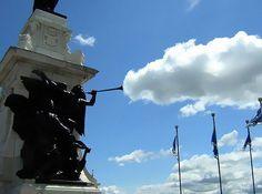 Brincando com as nuvens: 17 fotos em perspectiva superlegais