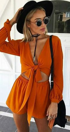 Fitted in this Solid Color Cut-out Romper. Just take this and enjoy your holiday. More surprise at OASAP.com.