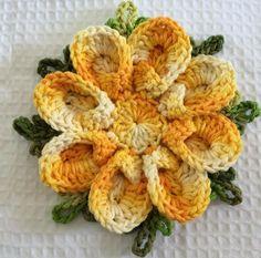http://www.croche.com.br/flor-japonesa-passo-a-passo/