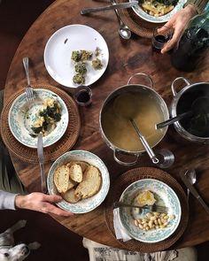 Si vede che sono tornata in Toscana !  Back to my tuscany ! Tipical winter lunch.  #vitavera #chetavolaccia #cavolonero #fagioli #frittelledicardi by valdirose