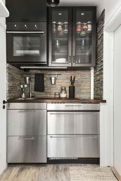 Ideas For Tiny Kitchen Design Small Apartments Kitchenettes Micro Kitchen, Compact Kitchen, Small Apartment Kitchen, Small Space Kitchen, Appartement Design, Studio Kitchen, Tiny House Design, Küchen Design, Smart Design