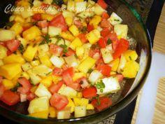 Cinco sentidos na cozinha: Salada de ananás, manga e tomate aromatizada com c...
