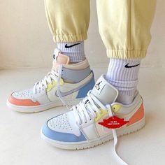 Air Jordan 3, Jordan 1 Low, Air Jordan Shoes, Retro Sneakers, Jordans Sneakers, High Top Sneakers, Michael Jordan, Kanye West, Yeezy