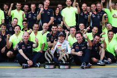 F1 l equipo Red Bull celebrando la victoria del Alemán Sebastian Vettel en su carrera en casa, el Gran Premio de Alemania 2013