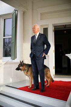 VP Joe Biden & his GSD Champ I knew I loved Joe Biden and he even has a German Shepherd. What Dogs, Schaefer, German Shepherd Puppies, German Shepherds, Joe Biden, Rescue Dogs, I Love Dogs, Champs, Istanbul