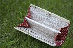 Framed Accordion Wallet. DIY Tutorial in Pictures.