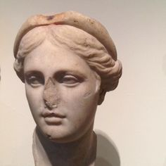 Marble head of a woman, perhaps a queen // Greek, Hellenistic, 1st C. BC // Metropolitan Museum of Art