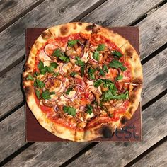 Hungover? Smokey pork stringers streaky bacon bitlets red onion mozz and parsley. Not anymore!  #sundayscenes #pizzatipi