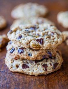 Slice-and-Bake Oatmeal Raisin Chocolate Chip Cookies - The homemade & healthier version of dough-in-a-tube. Slice off only what you need! averiecooks.com