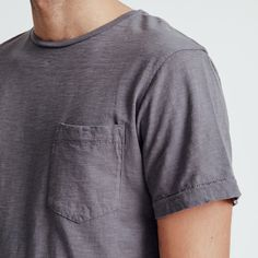 Classic Unis tees made from the most comfortable, texturized jersey cotton and tailored for the perfect fit. H M Man, Perfect Fit, New York, Sweatshirts, Tees, Long Sleeve, Mens Tops, Cotton, T Shirt