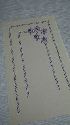 Cross Stitch Borders, Cross Stitching, Cross Stitch Embroidery, Prayer Rug, Hand Embroidery Designs, Flower Crafts, Damask, Floral Arrangements, Sewing