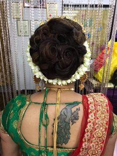 Bun Hairstyles, Wedding Hairstyles, Bridal Hair Buns, Big Bun, Brocade Blouses, New Hair, Blouse Designs, Crochet Necklace, Hair Beauty