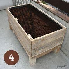 Pflanzkiste aus Paletten - Tutorial Planter from palettes ähnliche Projekte und Ideen wie im Bild vorgestellt findest du auch in unserem Magazin