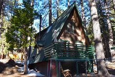 Check out the Squirrel Haus cabin in Green Valley Lake! It is the perfect retreat for the family. At 7200 feet there's lots of snow in the winter for sledding and cooler temps in the summer for fishing and kayaking. Exactly halfway between Big Bear and Arrowhead! Snowboarding, Skiing, San Bernardino Mountains, Big Bear Lake, List Of Activities, Green Valley, Rock Climbing, Squirrel, Kayaking