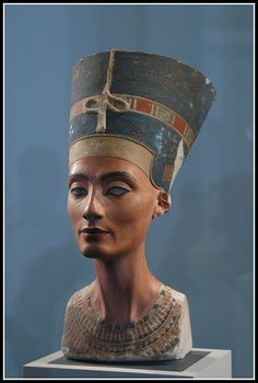 Ancient Egypt: A painted limestone bust of Nefertiti, the Great Royal Wife of the Egyptian pharaoh Akhenaten, is one of the most copied works of ancient Egypt. As a result, Nefertiti has become one of the most famous women of the ancient worl Ancient Egyptian Clothing, Ancient Egyptian Art, Ancient History, Art History, Egyptian Mythology, Egyptian Symbols, Egyptian Goddess, Nefertiti Bust, Queen Nefertiti