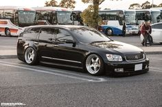 Stanced Nissan Stagea M35 Japan (6)