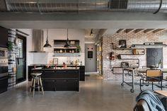 Gravity Interior | Industrial loft via Design Milk Industrial Kitchen Design, Vintage Industrial Decor, Industrial House, Modern Industrial, Eclectic Modern, Modern Loft, Industrial Apartment, Loft Design, Design Studio