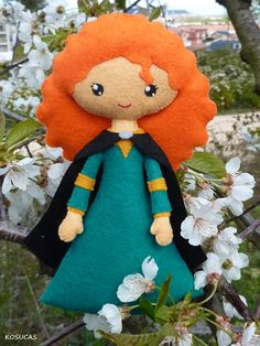 PDF sewing pattern to make a felt doll inspired in Mérida and her mother Elinor…