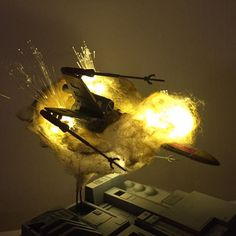 'Exploding' Model Star Wars Ships Using Cotton Balls and LEDs Maquette Star Wars, Batman Poster, Sci Fi Models, Star Wars Models, Wargaming Terrain, Futuristic Art, War Photography, Star Trek Ships, Star Wars Gifts