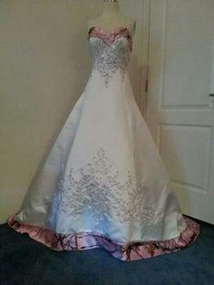 Camo wedding dress that is actually very pretty!
