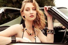 Modelling organically urban jewellery Urban Jewelry, Jewellery, Model, Hair, Beauty, Beleza, Jewelery
