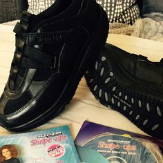 Sketchers Shape-Ups Brand new sketchers shape ups! Come with a dad and a healthy eating booklet! Sketchers Shoes, Fashion Design, Fashion Tips, Fashion Trends, Booklet, Designer Handbags, Healthy Eating, Dads, Brand New
