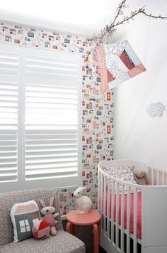 Check out these original small nursery ideas and tips for the furniture and decoration of the baby room. The limited space in the baby bedroom could be a Ferm Living Wallpaper, Kids Wallpaper, Room Wallpaper, Baby Bedroom, Baby Room Decor, Nursery Room, Nursery Ideas, Bunny Nursery, Nursery Furniture