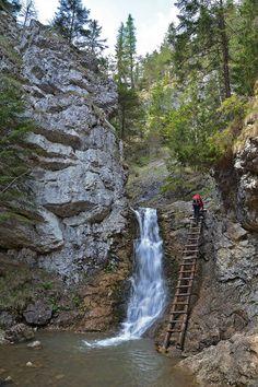 Ráztocký vodopád je krásny v zime, ale aj v lete. Landscape Photography, Travel Photography, Easy Jet, Beautiful Waterfalls, Solo Travel, Czech Republic, Amazing Nature, Natural Beauty, Cool Pictures