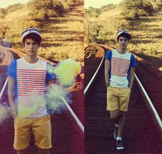 Amp A Mulher Do Padre T Shirt, Estilo Certo Yellow Shorts - Waiting for a train - Vini Uehara
