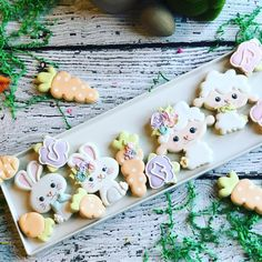 I'm done uploading my easter collection! My favorite on is the unicorn chick and the bunny carrot! Which one is your favorite one? Kawaii Cookies, Mini Cookies, Fancy Cookies, Iced Cookies, Cute Cookies, Easter Cookies, Easter Treats, Cupcake Cookies, Sugar Cookies