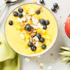 Sommer in deiner Schüssel! Mango-Smoothie-Bowl mit Blaubeeren