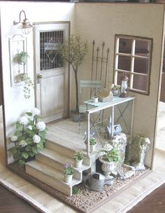 Miniature Room Box - The Entryway in scale. Vitrine Miniature, Miniature Rooms, Miniature Houses, Miniature Furniture, Doll Furniture, Dollhouse Furniture, Miniature Gardens, Shabby Vintage, Shabby Chic