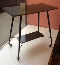60-luvun mustajalkainen rullapöytä / tarjoilupöytä . korkeus 72 . leveys 74 . syvyys 40cm . @kooPernu