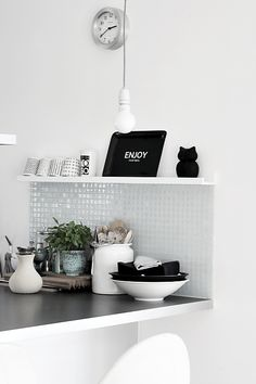 love the backsplash beneath the shelf Decor, Kitchen Inspirations, Interior, Kitchen Room, Interior Design Kitchen, Home Decor, House Interior, Kitchen Dining Room, Home Kitchens