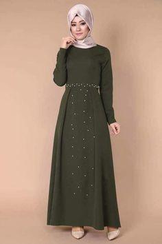 Modest Fashion Hijab, Abaya Fashion, Fashion Dresses, Islamic Fashion, Muslim Fashion, Simple Long Dress, Modele Hijab, Arabic Dress, Abaya Designs