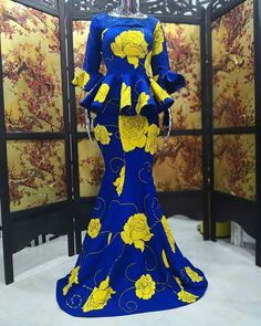 2019 Elegant Aso Ebi Styles For Weddings.We have chosen some elegant Aso Ebi Styles For Weddings that will make you look good at any wedding this year African Fashion Ankara, Latest African Fashion Dresses, African Dresses For Women, African Print Dresses, African Print Fashion, Africa Fashion, African Attire, African Wear, Ghanaian Fashion