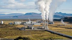 Amor em forma de lava: a usina de energia geotermal de Nesjavellir (NGPS) é a segunda maior da Islândia, fica próxima a Thingvellir e ao vulcão de Hengill. Crédito: Gretar Ívarsson/Wikimedia Commons