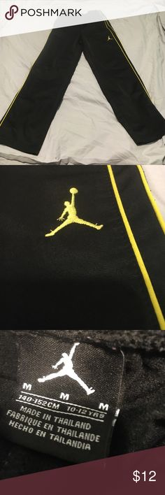 Air Jordan sweatpants Great condition!! Very comfortable pants!! Great quality!! Size M in boys!! Jordan Bottoms