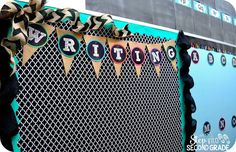 Love the black and white pattern with the teal pop of color and burlap.