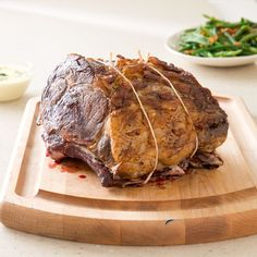 Best prime rib according to America's test kitchen. Top chefs say that 18 hours in a oven is the route to prime rib perfection. So what's a home cook to do? Kitchen Recipes, Cooking Recipes, Cooking Ribs, Slow Cooking, Kitchen Cook, Cooking Videos, Best Prime Rib Recipe, Cooks Country Prime Rib Recipe, Baked Beef Ribs