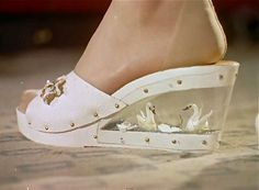 'Swan Lake' wedge from 'Shoes Of Tomorrow,' 1957 (click through for film) worn with reinforced foot stockings Mode Vintage, Vintage Shoes, Vintage Accessories, Vintage Outfits, Vintage Clothing, Crazy Shoes, Me Too Shoes, Dream Shoes, 1950s Fashion