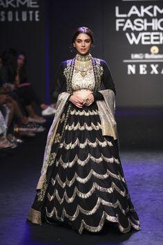 Bollywood Showstoppers at Lakmé Fashion Week Winter/Festive 2017 l Vogue India Party Wear Lehenga, Bridal Lehenga Choli, Choli Dress, Dress Party, Lehenga Designs, Indian Attire, Indian Outfits, Indian Dresses, Lakme Fashion Week 2017